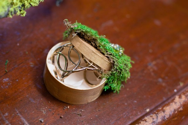 The_Hobbit_Inspired_Wedding_Sarah_Crowder_Photography_10-h
